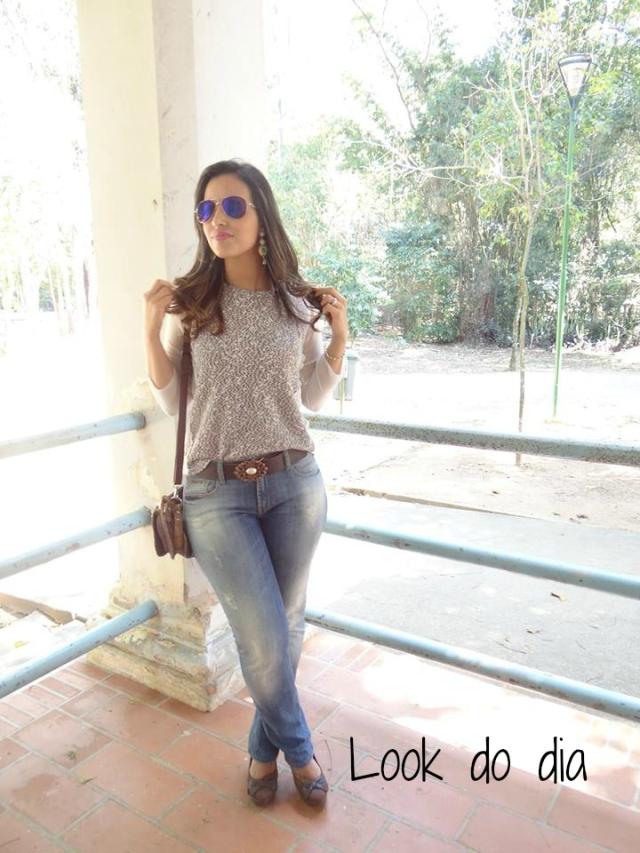 1Look básico e charmoso calça jeans e tricô