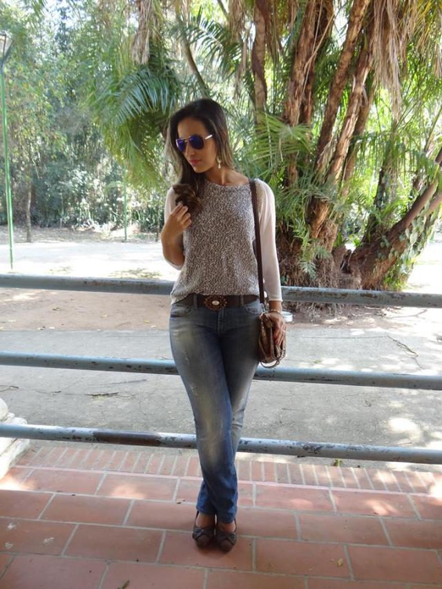 Look básico e charmoso calça jeans e tricô